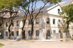 VISTA EXTERIOR 2 RECUPERACION PATRIMONIO INDUSTRIAL PLANTA CAPURRO ANCAP EDIFICIO ADMINISTRATIVO ALCOHOLES DEL URUGUAY