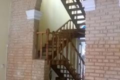 57d9fae432178Vista_hacia_la_escalera