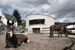 3VILLA F THE OFF THE GRID HOUSE IN THE CENTRAL HIGHLANDS OF GERMANY