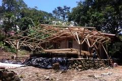 57dc75dc25054estrutura_de_bambu_en_proceso