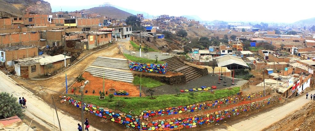 Barrio Señor de los Milagros .Sector de la Ensenada Puente Piedra 006