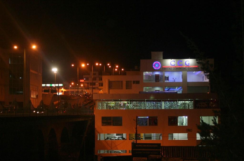 CENTRO COMERCIAL GALARZA. 002