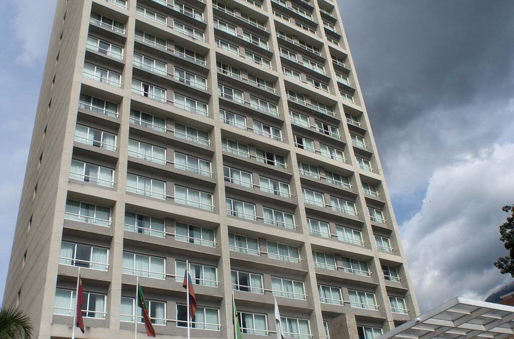 HOTEL PESTANA-VISTALPARQUE HOTEL & SUITES