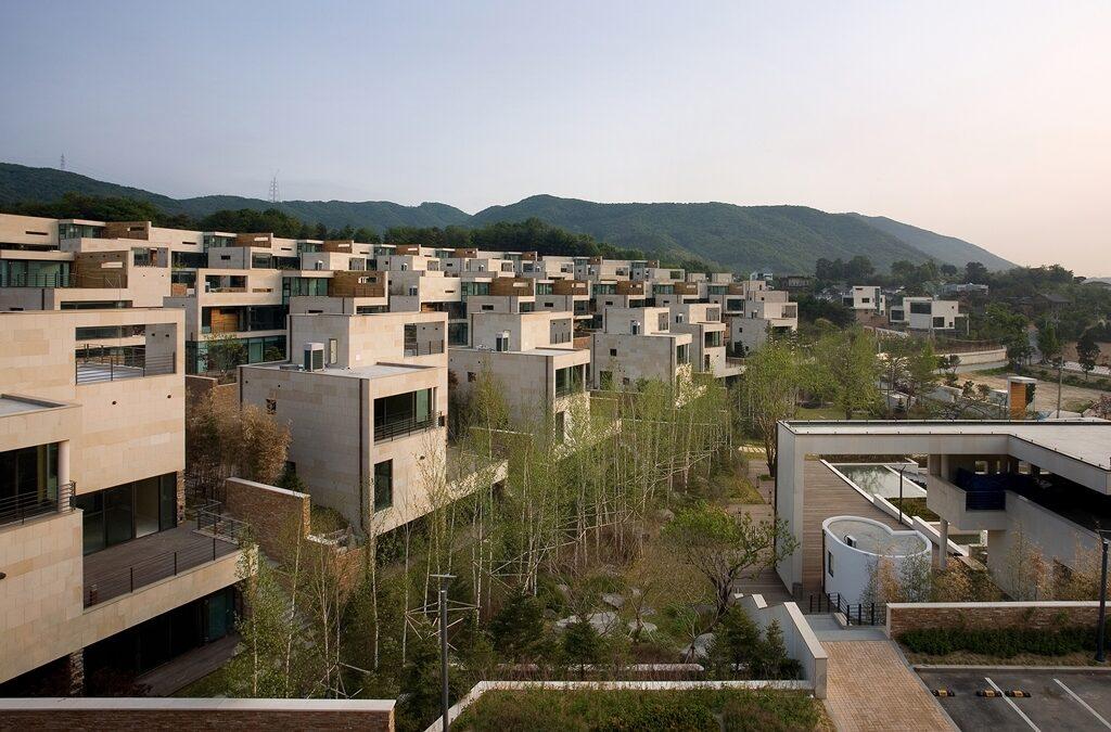 YANG-JI TOWN HOUSES